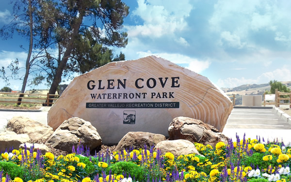 Rock entry sign for Glen Cove Waterfront Park