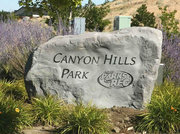 Natural rock sign for Canyon Hills Park